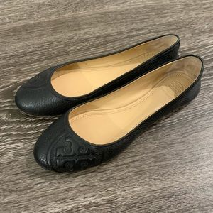 Tory Burch Black Leather Flat Shoes 7.5M